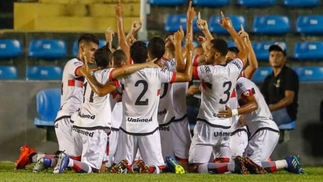 Atlético Goianiense goleia e se classifica para a 3ª fase da Copa do Brasil