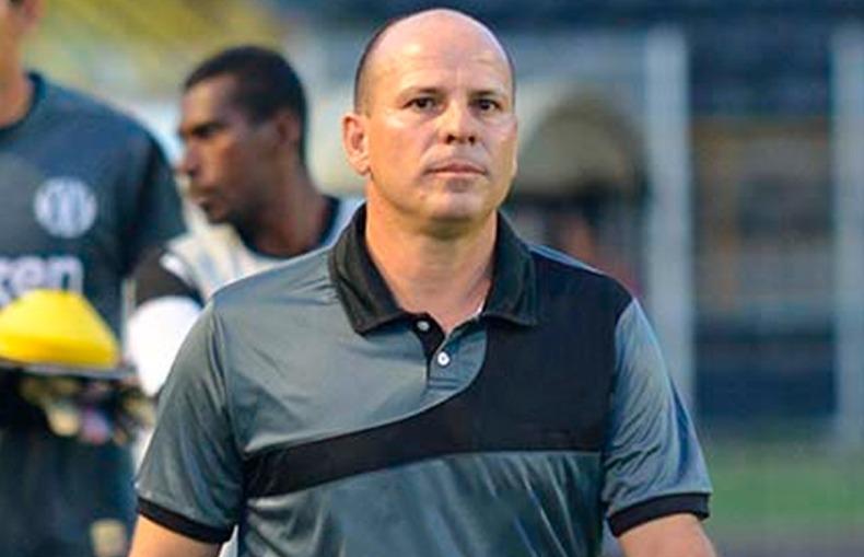 Ex Rio Verde é o novo treinador do Grêmio Anápolis