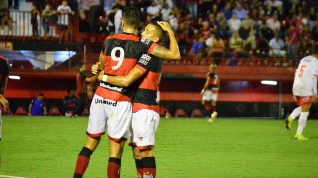 Atlético goleia a Anapolina e está na semifinal do Goianão