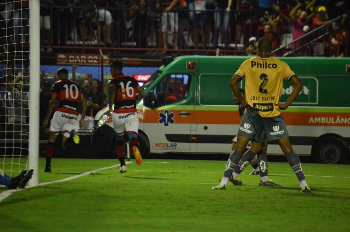 Atlético Goianiense vence o Santos no jogo de dia da 3ª fase da Copa do Brasil