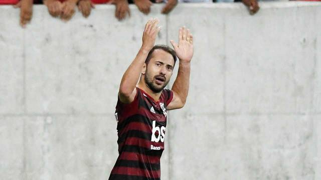 Flamengo massacra o San José e fica mais perto das oitavas de final da Libertadores