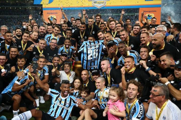 Grêmio bate o Internacional nos pênaltis e fica com o título gaúcho