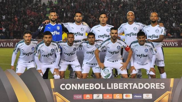 Palmeiras goleia e se classifica para as oitavas de final da Libertadores