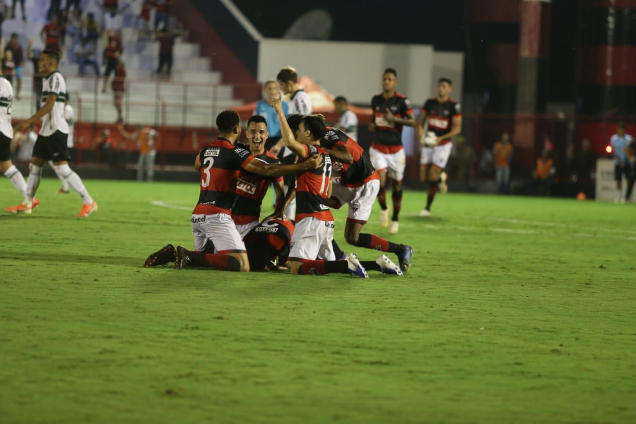 Atlético empata em casa com o Coritiba na Série B