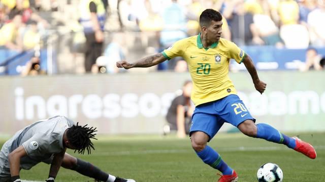 Brasil goleia o Peru e Venezuela passa pela Bolívia na Copa América