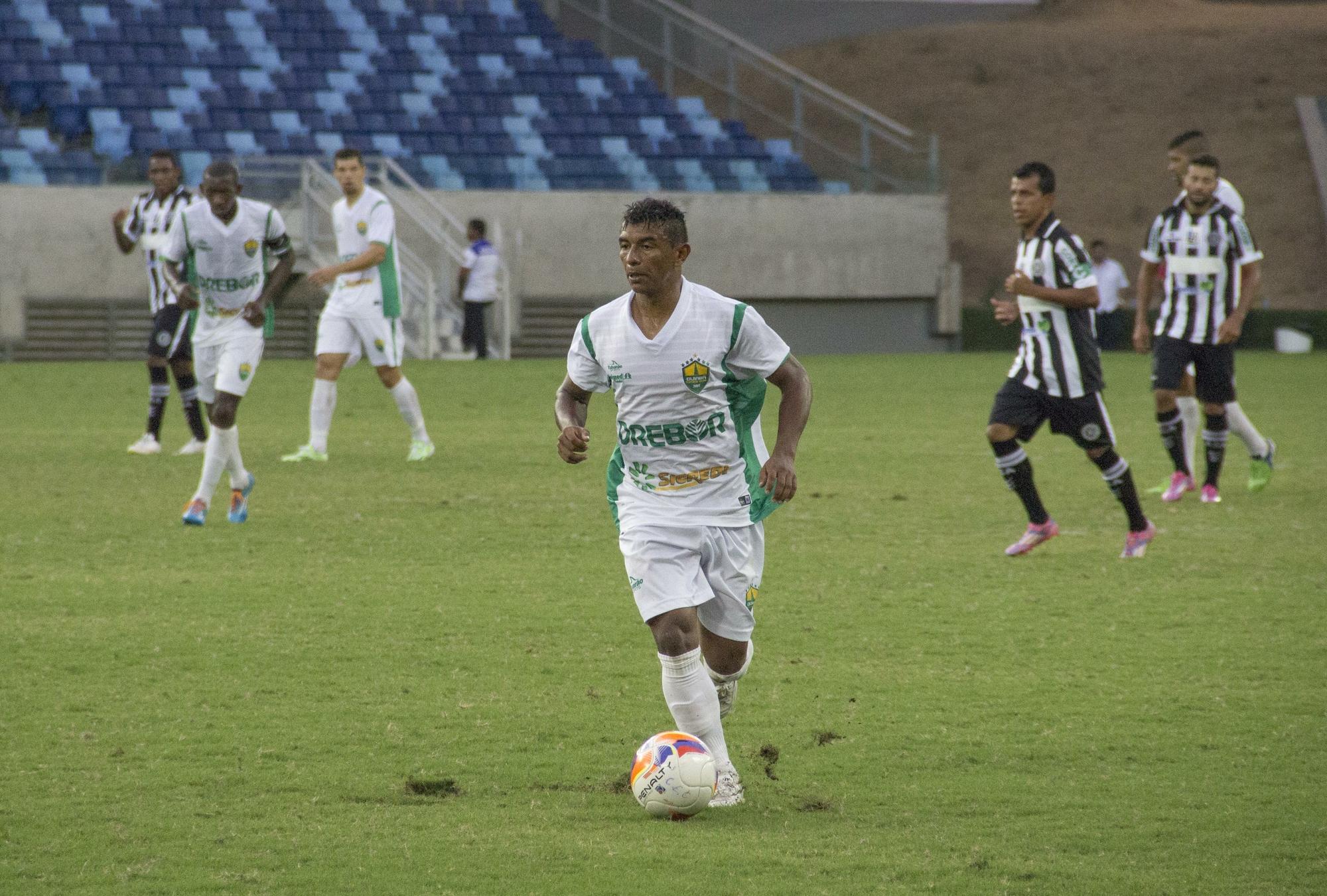Rio Verde acerta com lateral  que já passou por várias equipes goianas