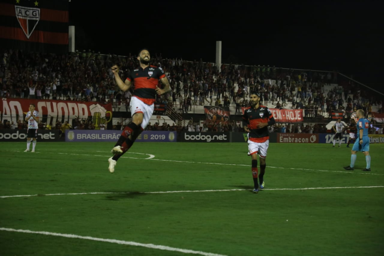 Atlético Goianiense e Vila Nova vencem pelo Brasileiro Série B
