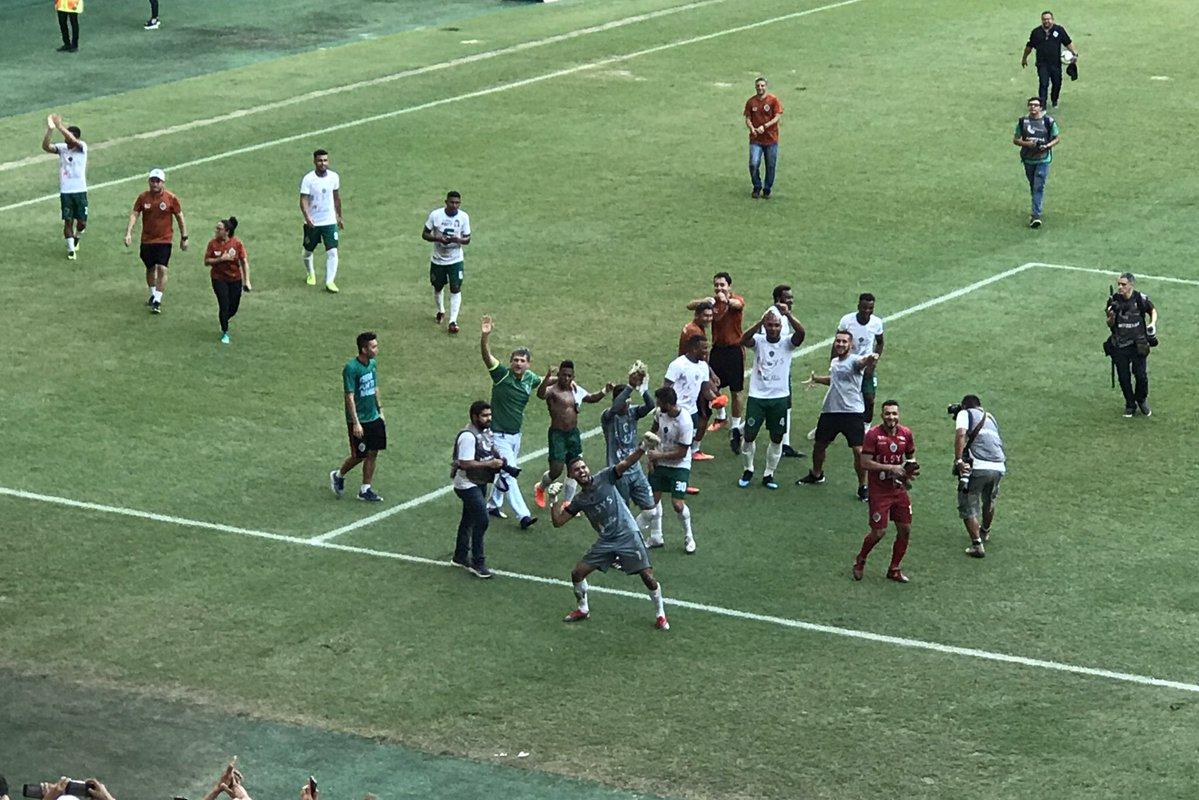 Com mais de 44.000 pessoas, Manaus goleia o Caxias e sobe para a Série C do Futebol Brasileiro