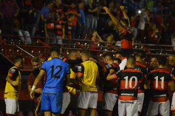 Atlético Goianiense vence o Oeste e segue no G4 do Brasileiro Série B