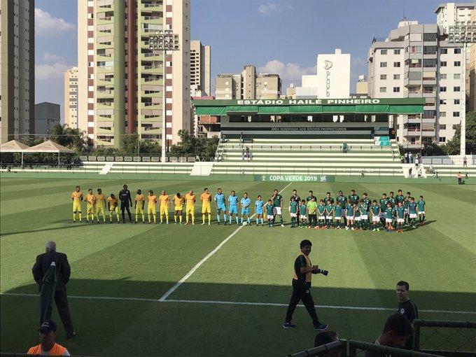 Goiás goleia o Brasiliense e se classifica para as quartas de final da Copa Verde