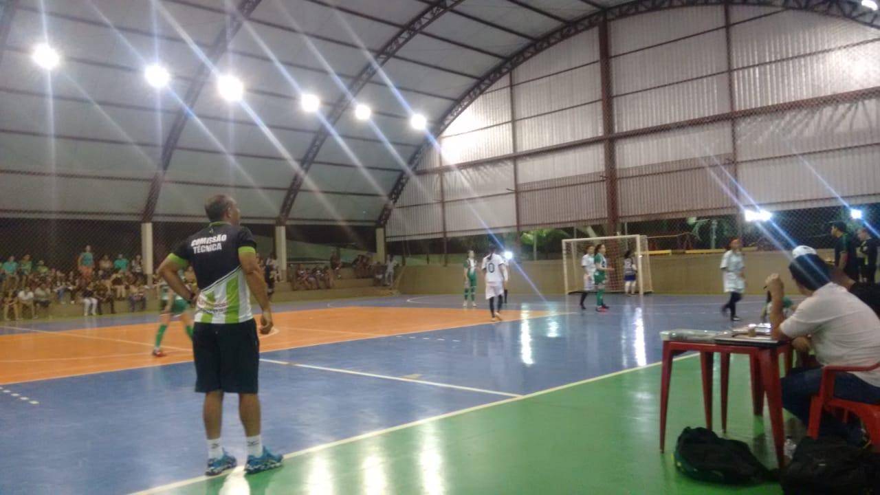 Goiás/Universo vence o Campestre/Resenhas e assume a liderança no Futsal Feminino