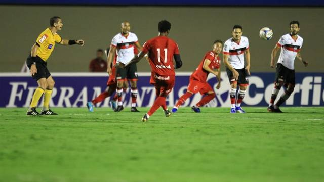 Vila Nova e Atlético empatam no Campeonato Brasileiro da Série B