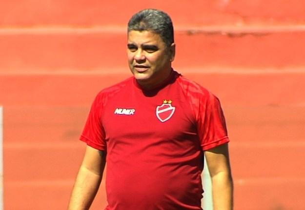 Marcelo Cabo não é mais o treinador do Vila Nova