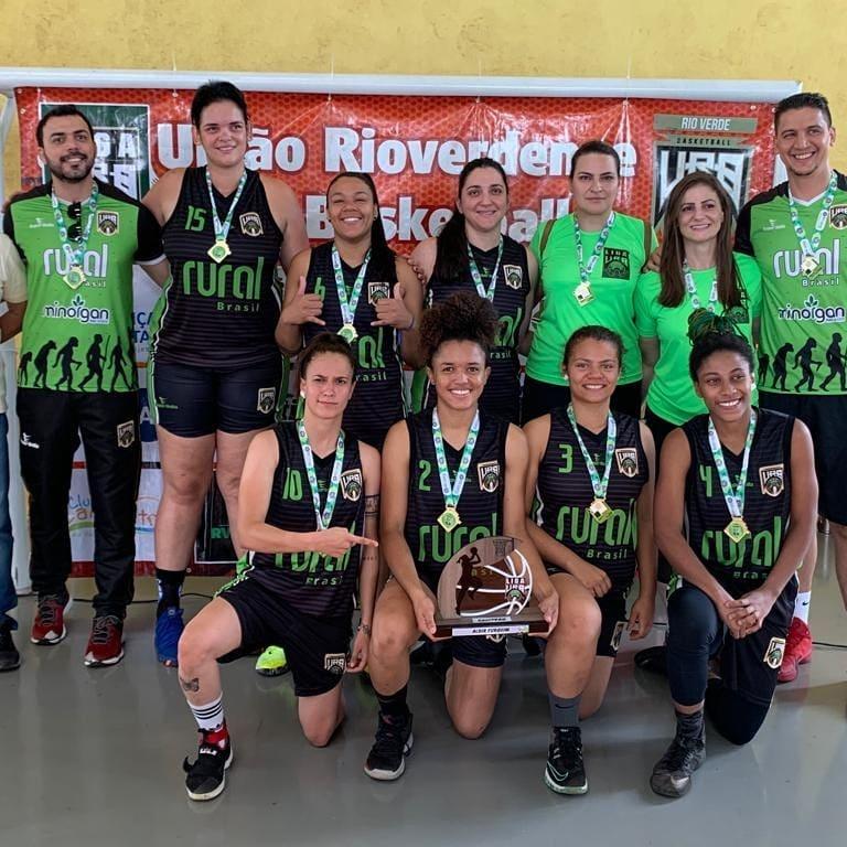 URB e UAB são os campeões da primeira Liga URB de Basquetebol