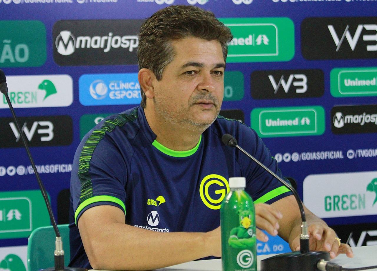 Ney Franco seguirá como técnico do Goiás em 2020