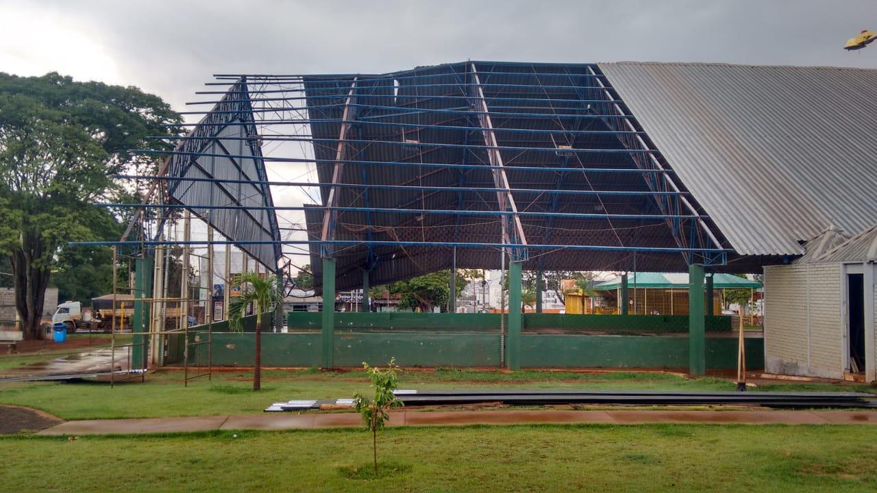 Após quase dez meses, reforma na  Quadra da Vila Mutirão é iniciada