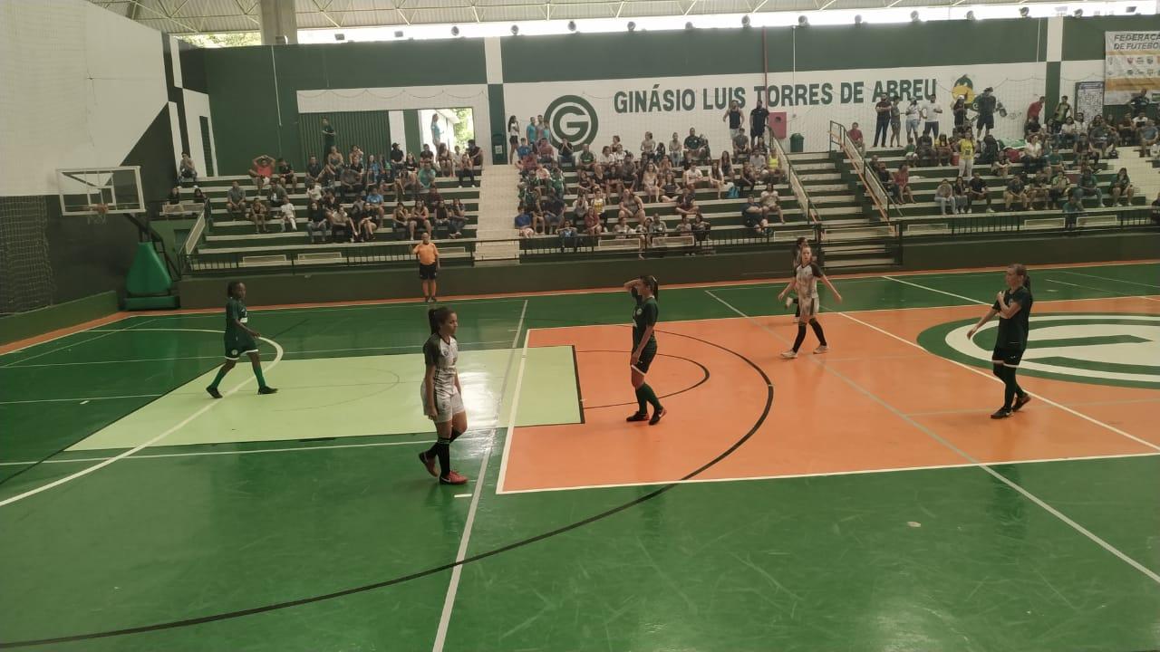 Goiás/Universo goleia o Campestre/Resenhas e fica com o título Goiano do Futsal Feminino