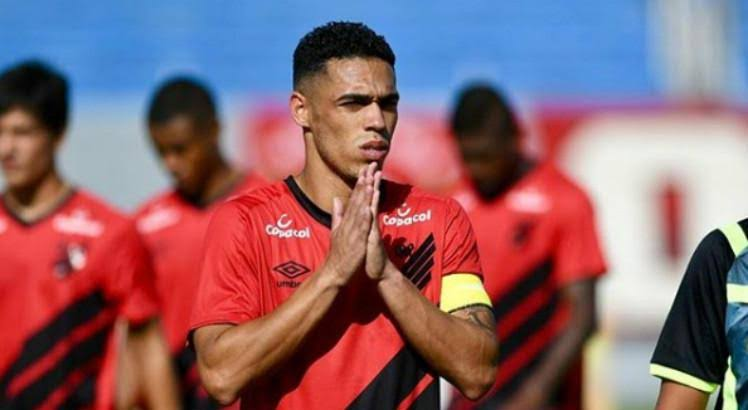 Atlético Goianiense acerta com zagueiro ex Sport Recife