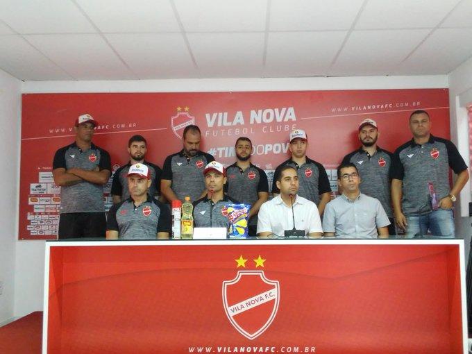 Bolivar é apresentado como novo treinador do Vila Nova