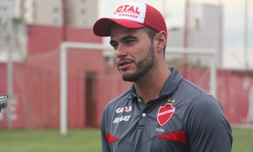 Ariel Mamede não é mais o treinador do Vila Nova