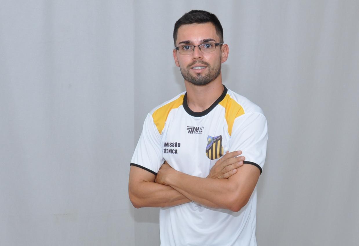 Goianésia confirma Luan Carlos como novo treinador