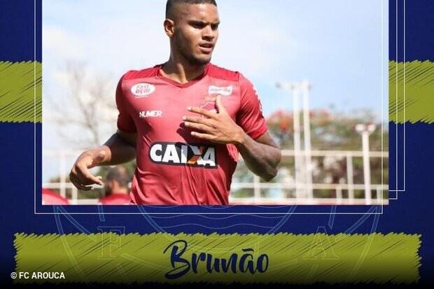 Vila Nova negocia zagueiro Brunão com futebol português
