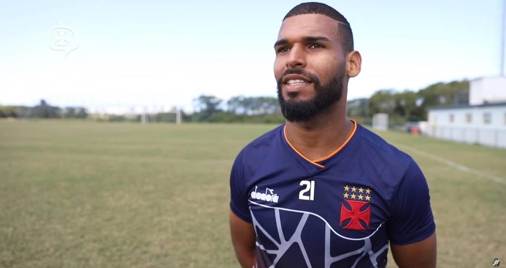 Atlético Goianiense acerta com o volante que estava no Vasco da Gama