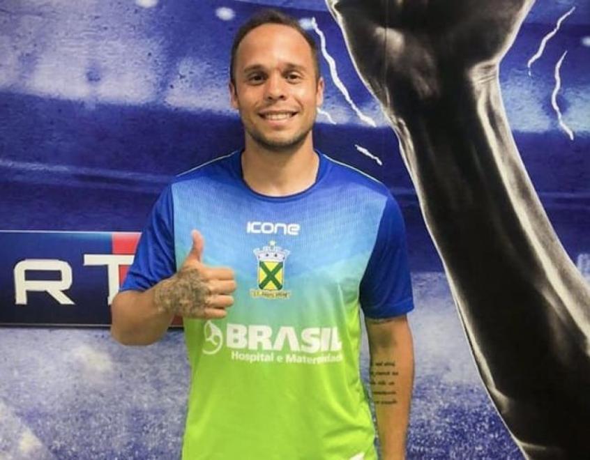 Revelado pelo Flamengo, Douglas Baggio é o novo reforço do Goiás