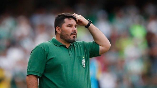 Caiu o primeiro técnico do Campeonato Brasileiro