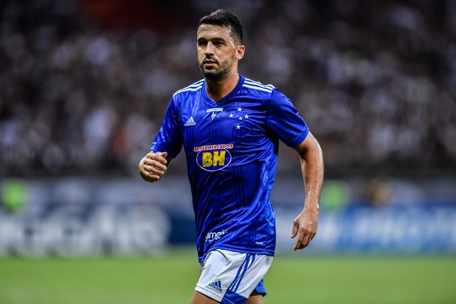 Goiás contrata lateral Edilson ex-Cruzeiro