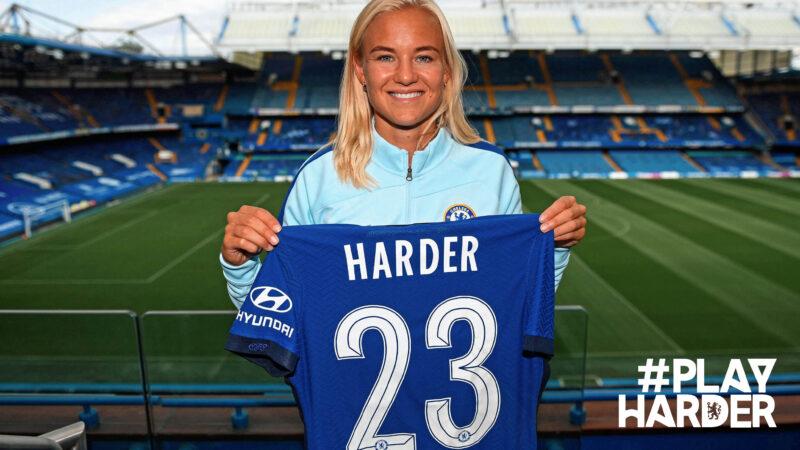 Chelsea contrata Harder que se  torna a maior transferência no futebol feminino