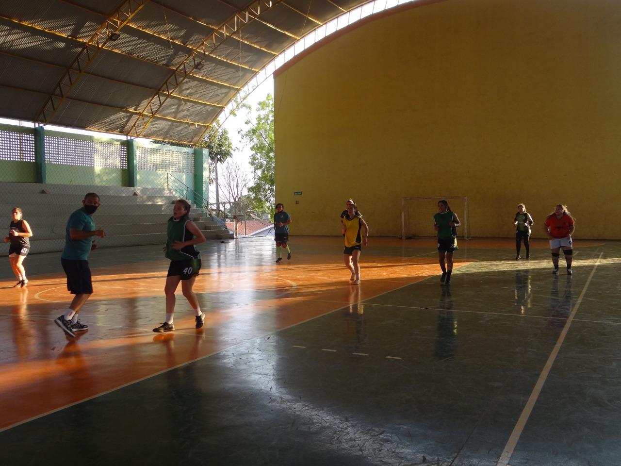 Meninas do Resenhas/Clube Campestre seguem treinando mesmo com Campeonato Brasileiro adiado