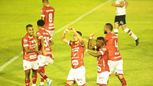 Vila Nova vence o líder Santa Cruz  no Brasileiro da Série C