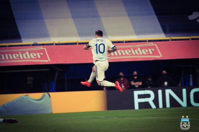 Argentina e Uruguai estreiam com vitória nas eliminatórias