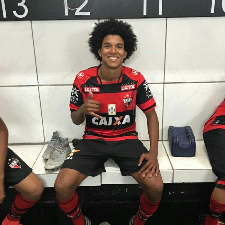 Rio Verde acerta com jogador do Atlético Goianiense