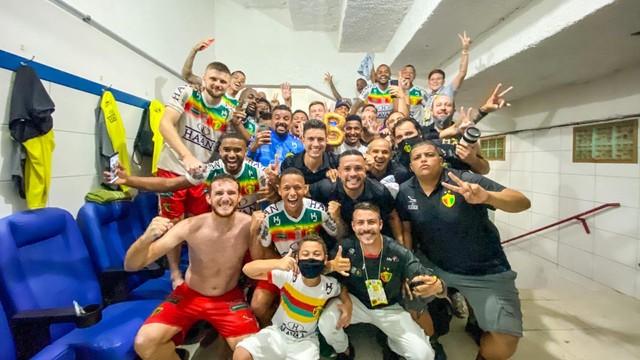 Brusque vence o Ituano e sobe para a Série B do futebol brasileiro
