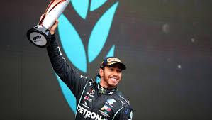 Fórmula 1: Hamilton seguirá na Mercedes
