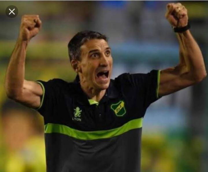 Fortaleza acerta com técnico argentino