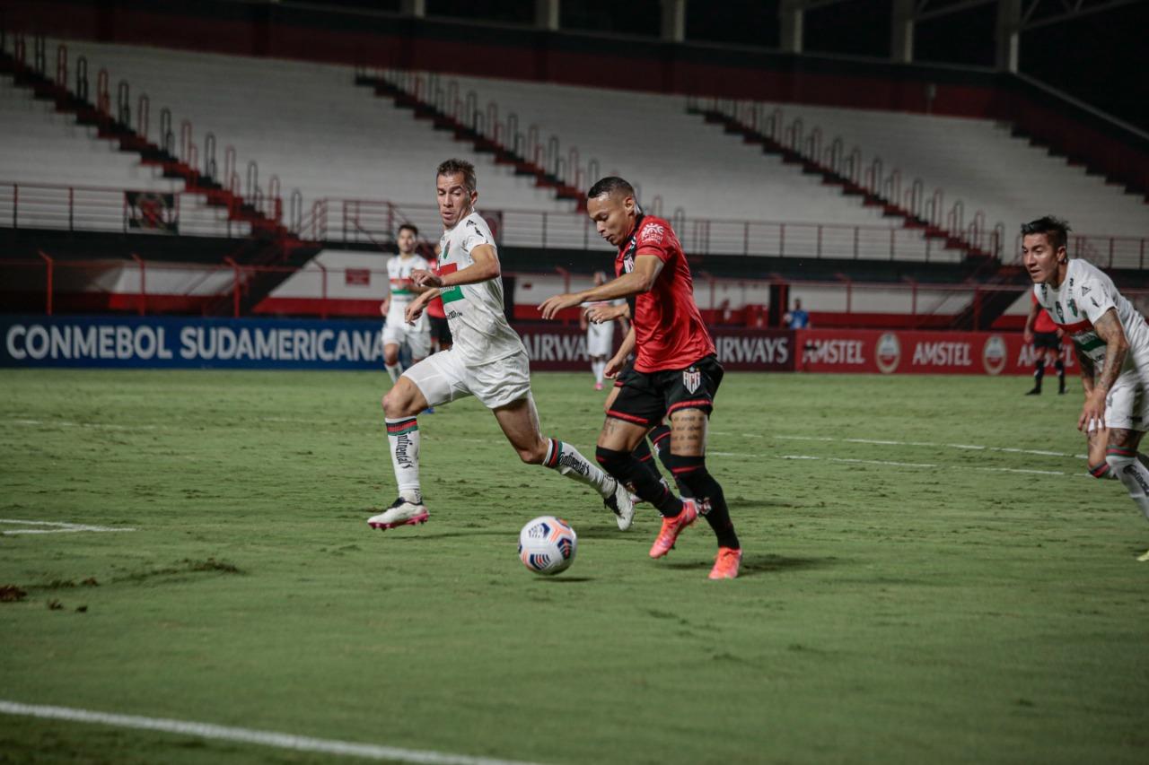 Atlético Goianiense empata e pode perder a liderança