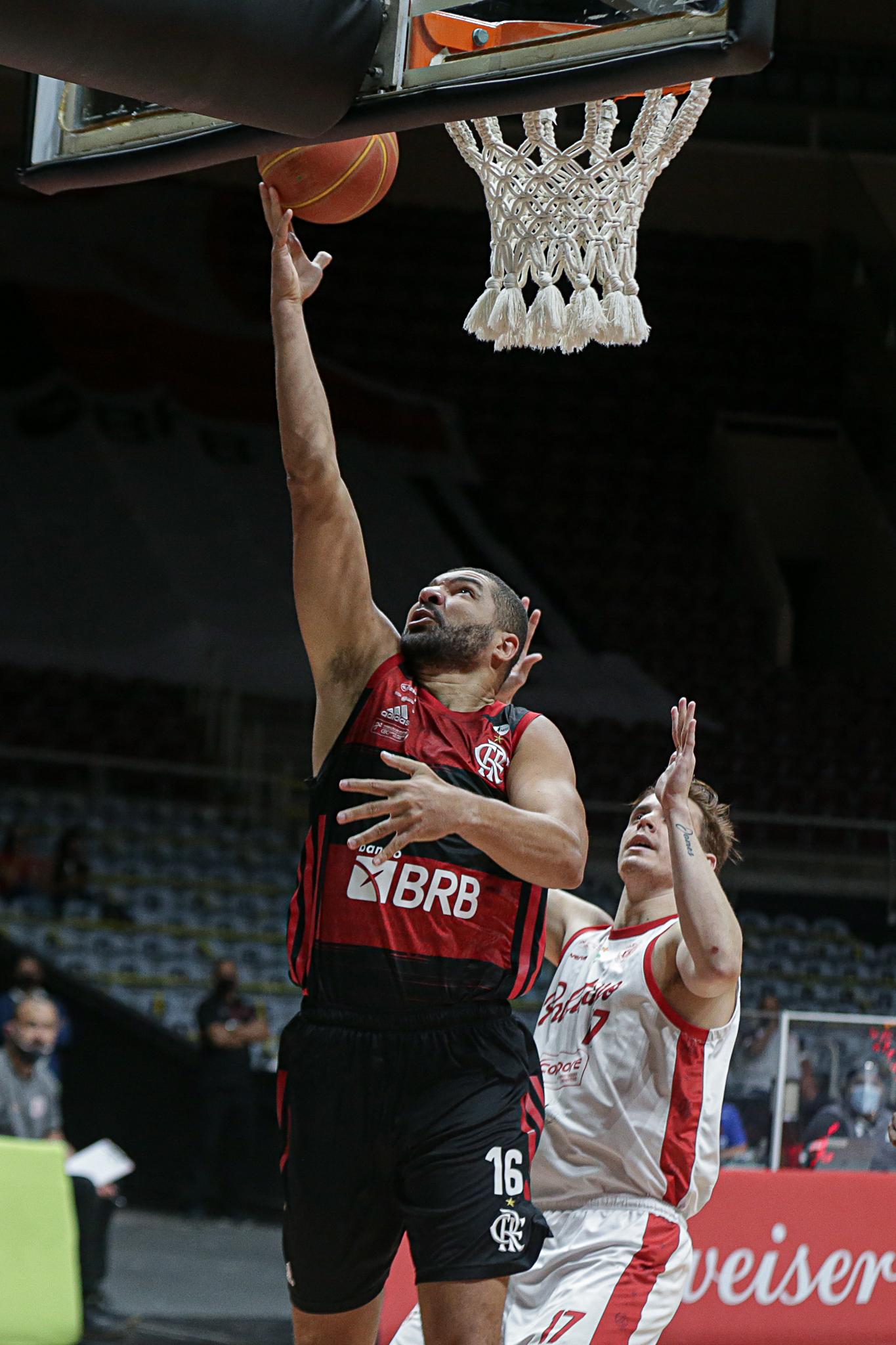 Flamengo vence o Paulistano e está na final do NBB