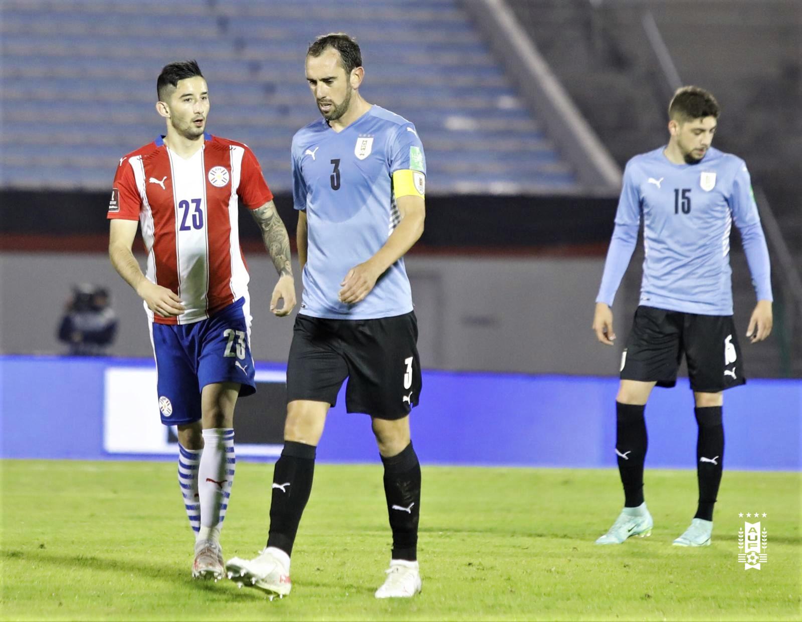 Uruguai e Paraguai ficam no empate