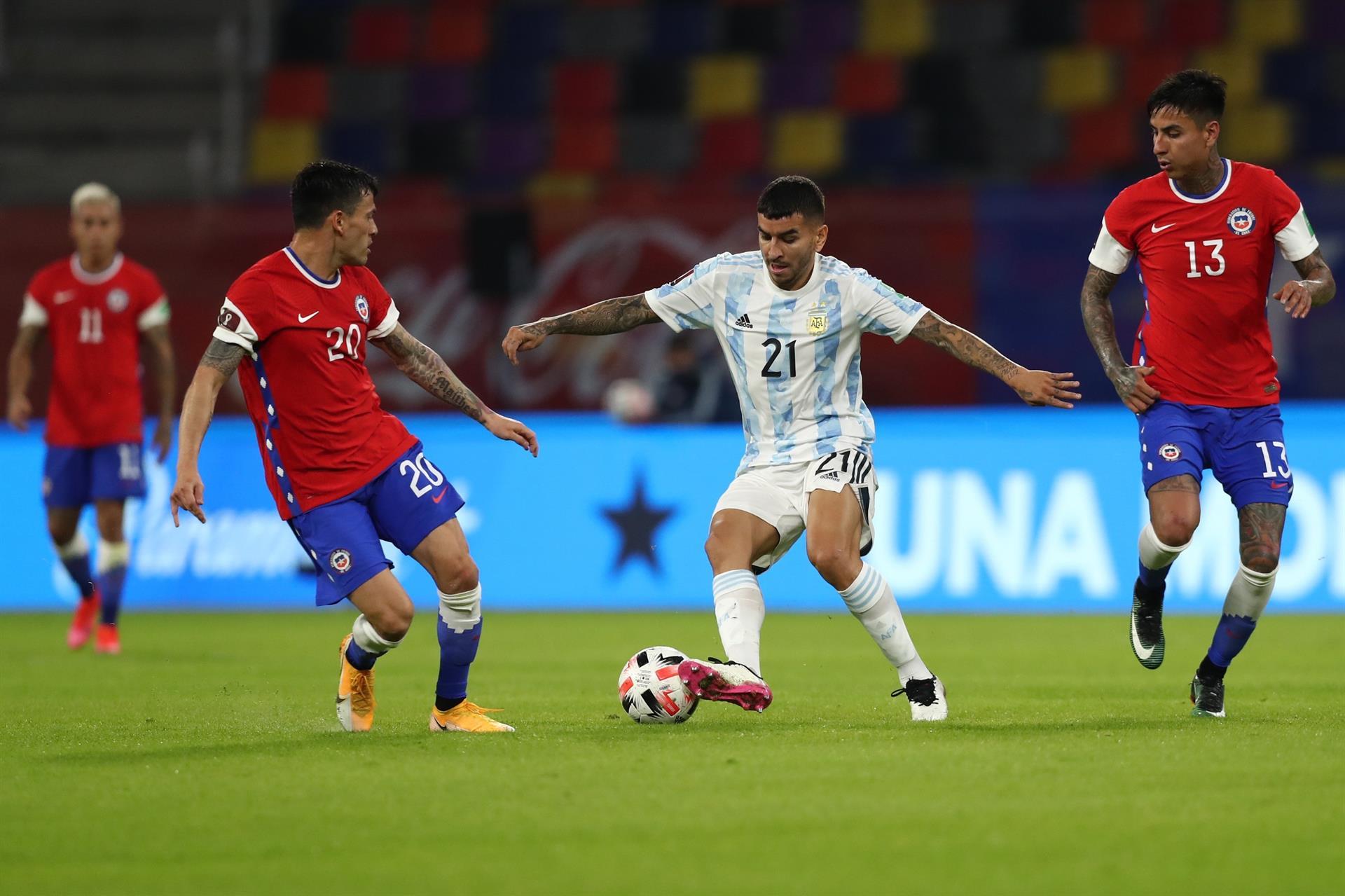 Em casa Argentina empata com o Chile
