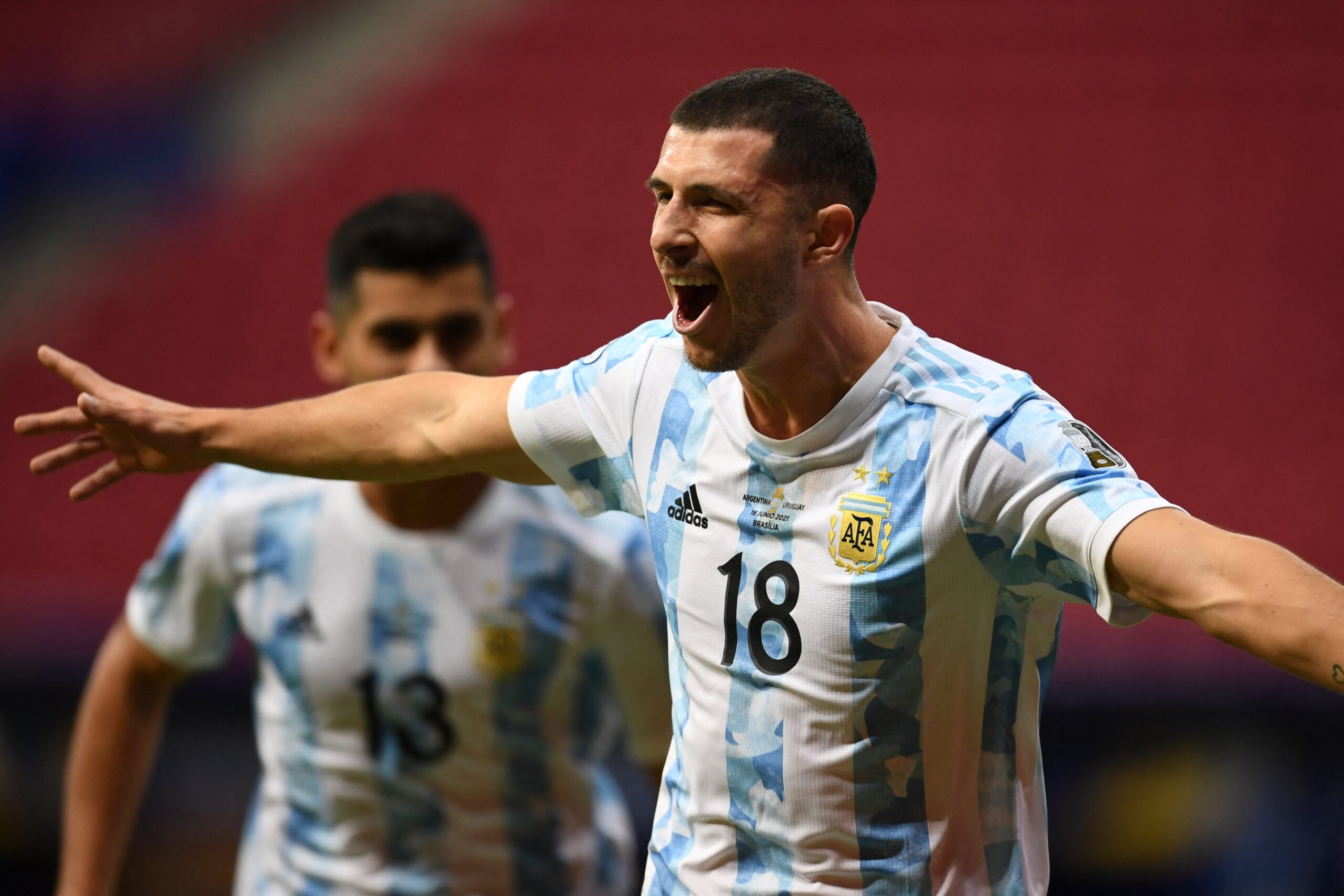 Argentina joga melhor e vence o Uruguai