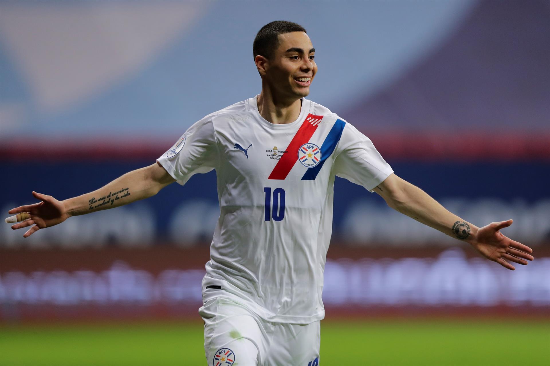 Paraguai vence o Chile e sobe para a segunda posição