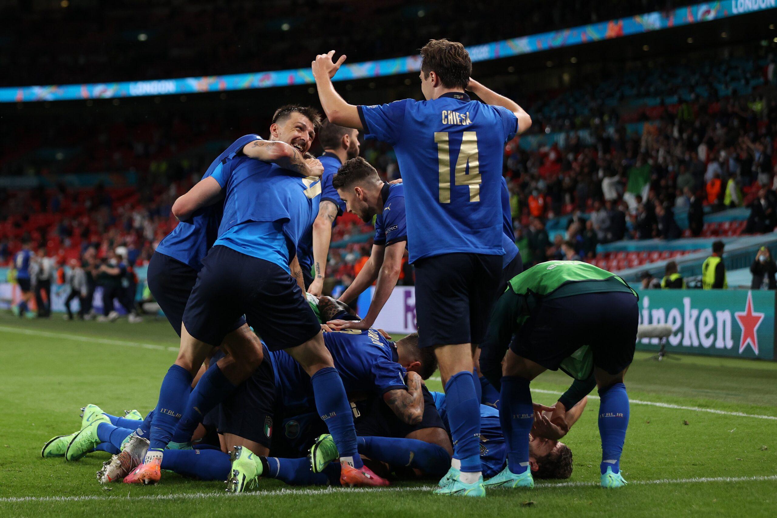 Na prorrogação Itália vence a Áustria e se classifica na Eurocopa