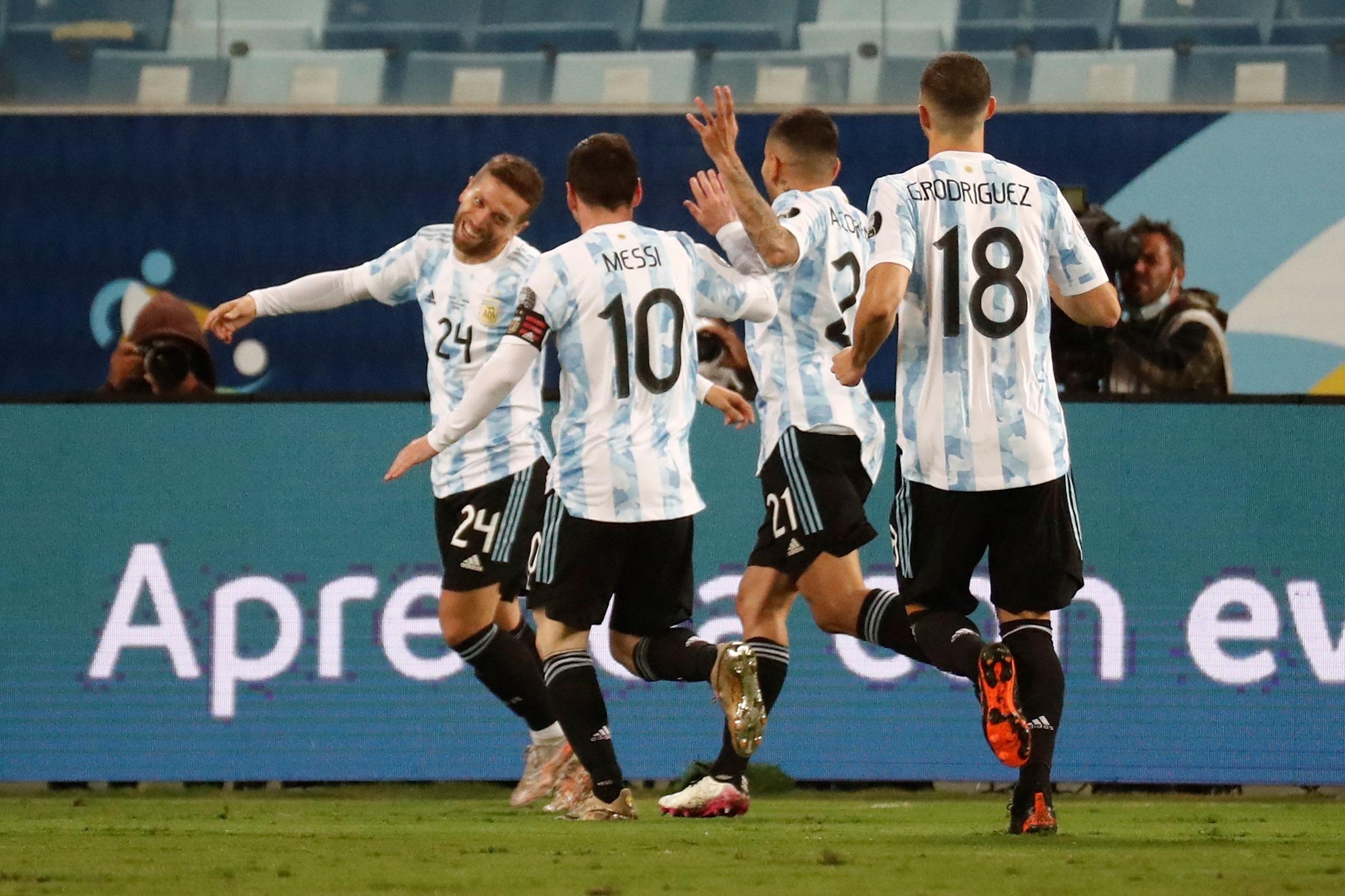 Argentina goleia a Bolívia e o Uruguai passa pelo Paraguai