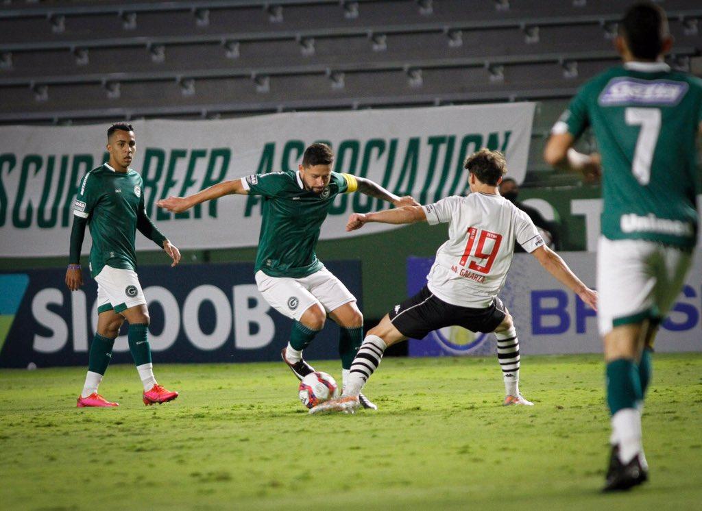 Goiás vence o Vasco e segue no G4
