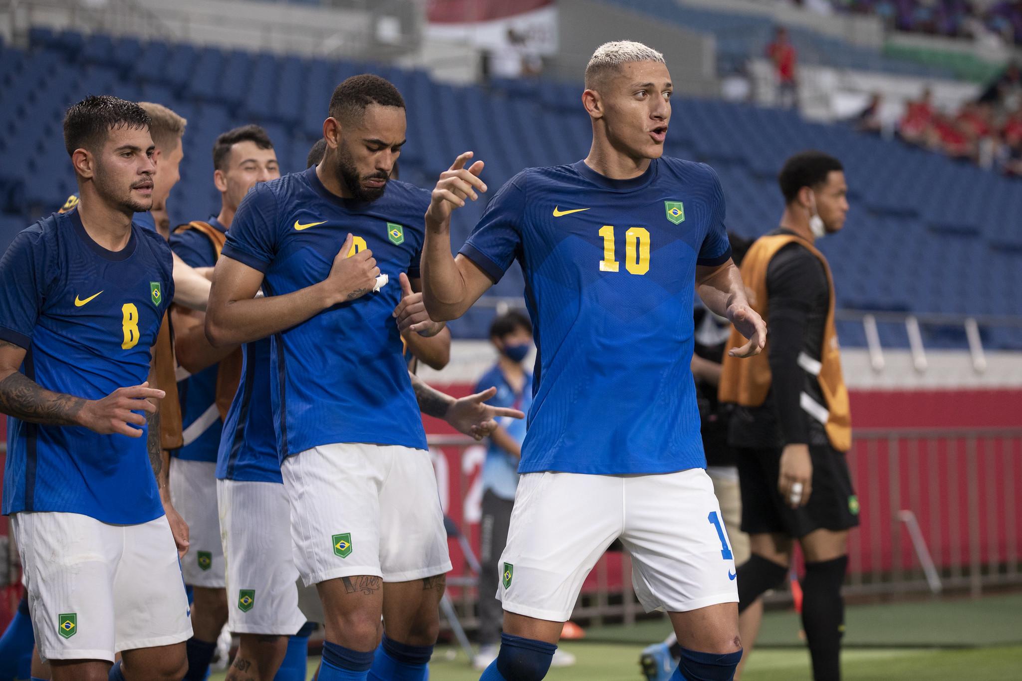 Brasil se classifica em primeiro no futebol masculino
