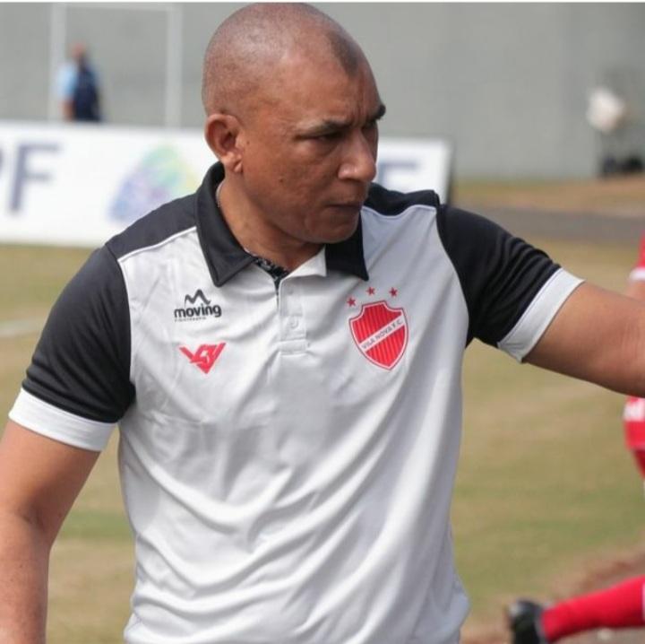 Hemerson Maria não é mais o treinador do Vila Nova