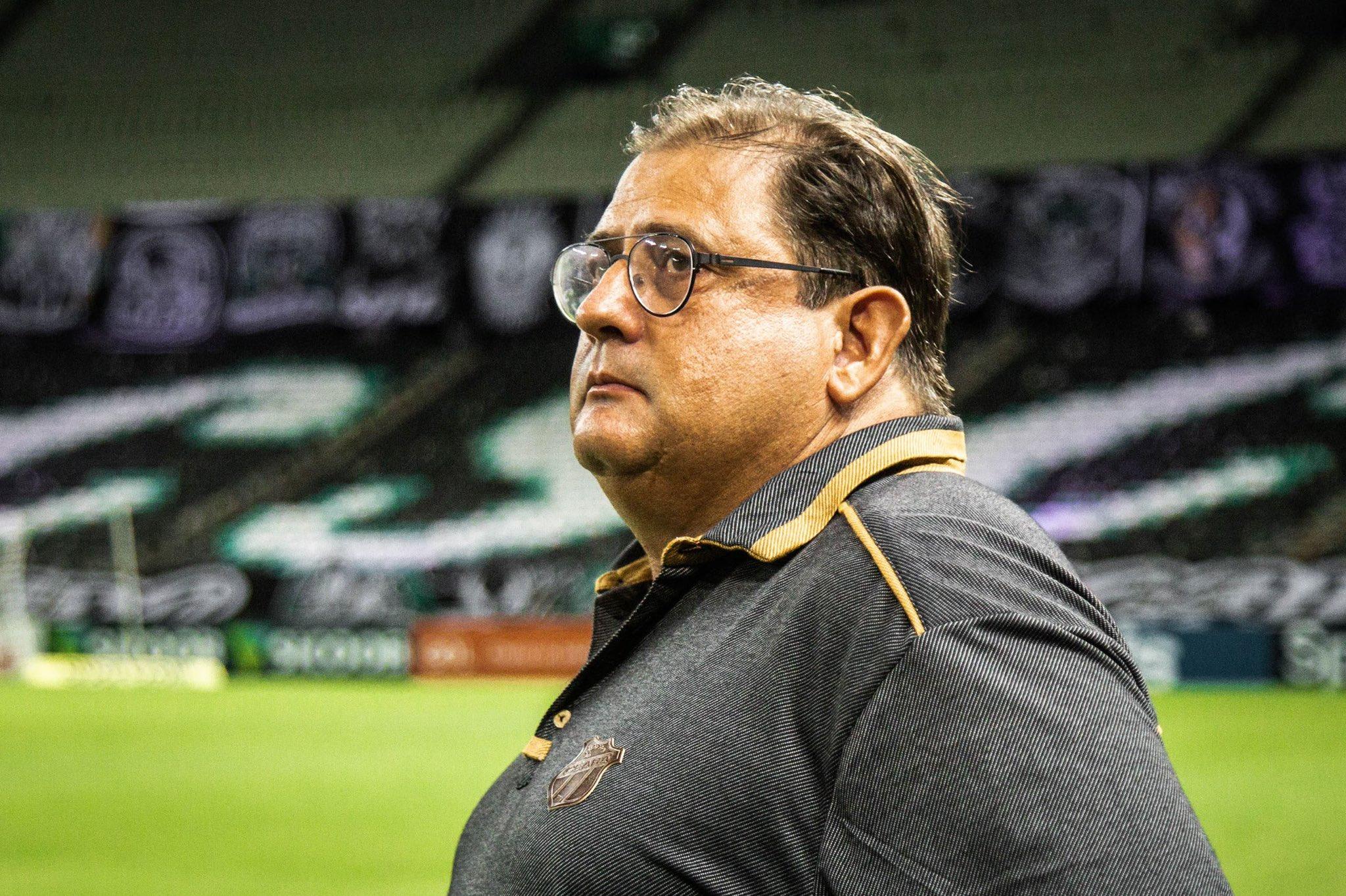 Guto Ferreira não é mais o treinador do Ceará